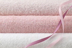 Pink bath towel Royalty Free Stock Photos