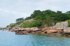 Pink granite coast around Seven Islands Royalty Free Stock Photos