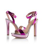 Pink Pair of women shoes Royalty Free Stock Images