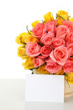 Pink roses with note paper Royalty Free Stock Images