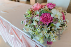 Pink tone flower bouquet Royalty Free Stock Photos