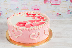 Pink valentine cake with hearts Royalty Free Stock Photography