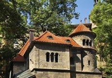 Pinkas犹太教堂-仪式大厅在Josefov 布拉格 cesky捷克krumlov中世纪老共和国城镇视图 免版税库存图片