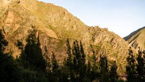 Pinkuylluna, almacenes del inca en el sitio arqueol?gico de Ollantaytambo, Cuzco, Per? foto de archivo
