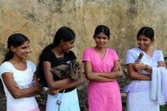 从Pinnawala镇的未知的女孩  免版税库存图片