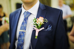 Pinning a Boutonniere Royalty Free Stock Photos