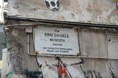 Pino Daniele gatasignal - Naples - Italien arkivfoto