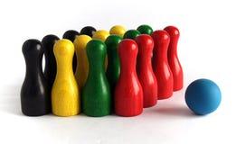 Pinos de boliches de madeira coloridos Imagens de Stock Royalty Free