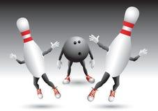 Pinos de bowling que funcionam da esfera de bowling Fotos de Stock