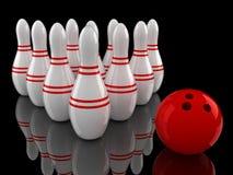 Pinos e esfera de bowling com reflexão à terra Imagem de Stock Royalty Free