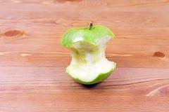 Pinsa verde mela Fotografie Stock Libere da Diritti