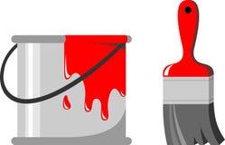 Pinsel, ein Glas roter Lack Stockbilder