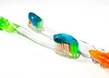 Pinsel zu den Zähnen Lizenzfreie Stockfotografie