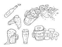 Pinta, chiavetta e bottiglia stabilite dell'illustrazione di schizzo di vettore di birra Bolle e schiuma che versano dalla tazza  Fotografia Stock