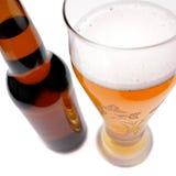 Pinta da cerveja e do frasco Imagens de Stock Royalty Free