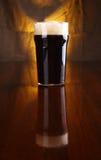 Pinta de cerveza de malto foto de archivo libre de regalías