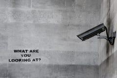Pintada del CCTV de Banksy imágenes de archivo libres de regalías