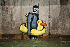 Pintada en la piscina de batimiento imagen de archivo