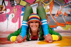 Pintada urbana de la muchacha adolescente Foto de archivo