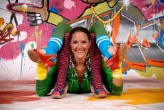 Pintada urbana de la muchacha adolescente Fotos de archivo