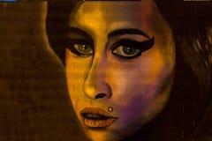 Pintada urbana del arte por el winehouse del amy foto de archivo