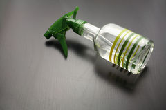 Pinte (con vaporizador) la botella Foto de archivo