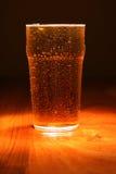 Pinte fraîche de bière blonde allemande Photographie stock libre de droits
