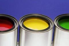 Pinte las latas, rojo, amarillo, verde Foto de archivo libre de regalías