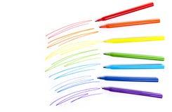 Pinte a los marcadores coloreados en el papel Imagenes de archivo