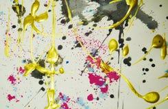 Pinte o fundo colorido cor-de-rosa preto cinzento do ouro efervescente, cursos da escova, fundo hipnótico orgânico Foto de Stock