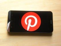 Pinterest op smartphone royalty-vrije stock afbeeldingen