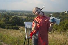 Pintor com a escova em seu rato Imagem de Stock Royalty Free