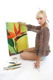 Pintor da mulher com retrato Foto de Stock
