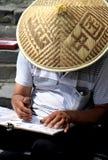 Pintor no Grande Muralha de China Imagens de Stock