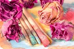 Pintura abstrata com os botões secos das rosas Foto de Stock Royalty Free