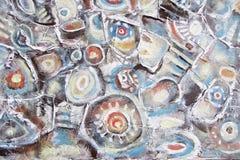 Pintura abstrata Pedras do rio da montanha Círculos na água Foto de Stock