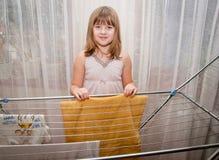Pintura adolescente de la muchacha Foto de archivo libre de regalías