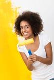 Pintura afro-americano brincalhão da mulher Fotos de Stock
