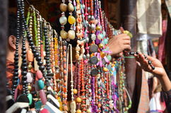 A pintura, arte, vida selvagem, pássaros, pássaros artificiais, decoração, craft a feira justa, de comércio, joia, jwellery artif Foto de Stock Royalty Free