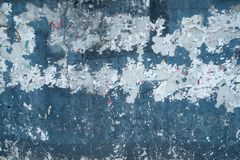 Pintura azul envelhecida da parede imagens de stock
