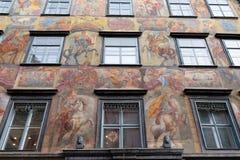 Pintura barroca de la fachada en el Grazer Herrengasse en Graz Imagenes de archivo