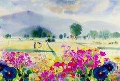 Pintura colorido de wildflowers con el campo de maíz del granjero en primavera Foto de archivo