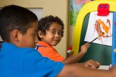 Pintura da criança pequena Imagem de Stock