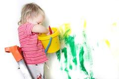 Pintura da criança sobre o branco foto de stock