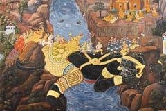 Pintura da epopeia de Ramayana no kaew do pra de Wat, Tailândia fotografia de stock