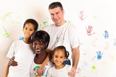 pintura da família da Misturado-raça Foto de Stock
