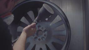 Pintura das rodas do automóvel video estoque