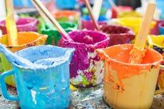 Pintura de óleo e escovas de pintura Fotos de Stock Royalty Free