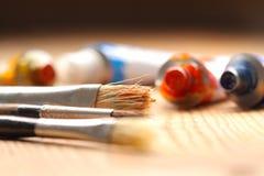 Pintura de óleo e escovas C Imagens de Stock