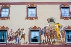 Pintura de casa en la pared - Mittenwald, Alemania Imágenes de archivo libres de regalías